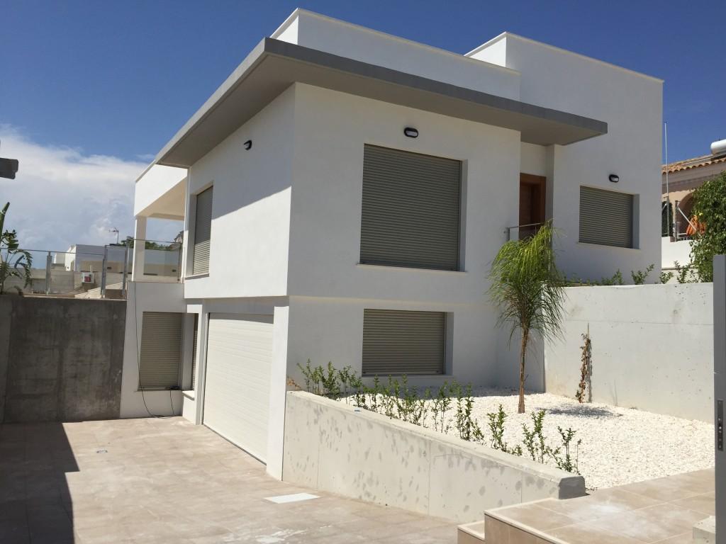 Villa neuve avec piscine priv e immo espagne for Villa neuve
