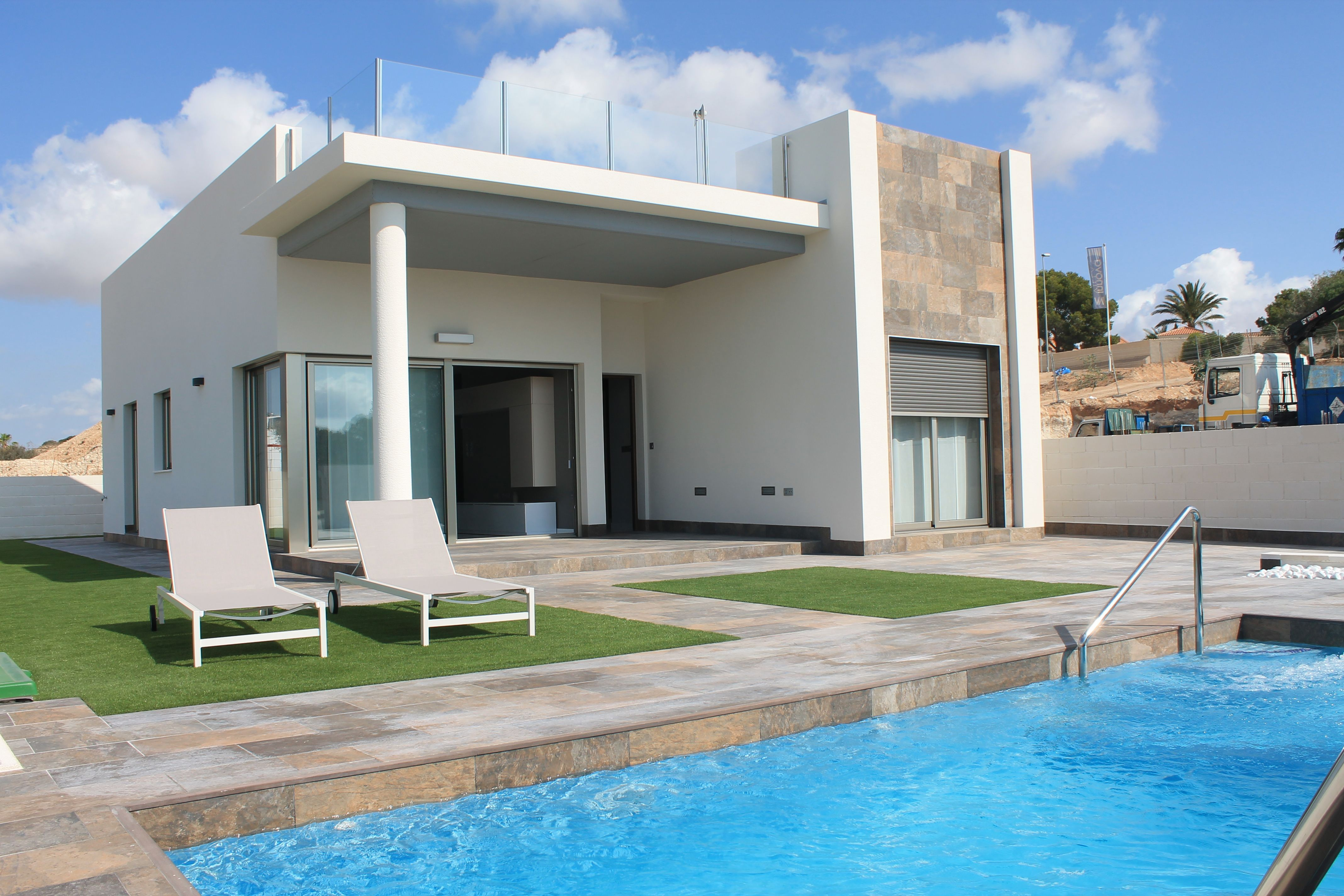 Villas neuves pr s de la zenia immo espagne for Exterieur villa moderne